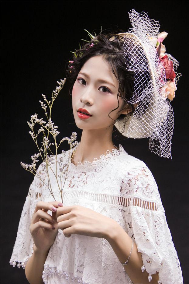 玫瑰花新娘造型